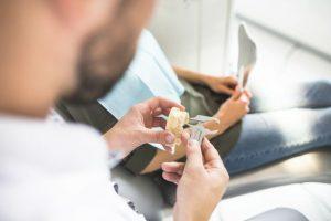 зъбни-импланти-консултация-и-планиране